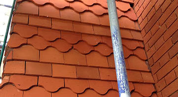 picture of roof tiles after restoration cleaning